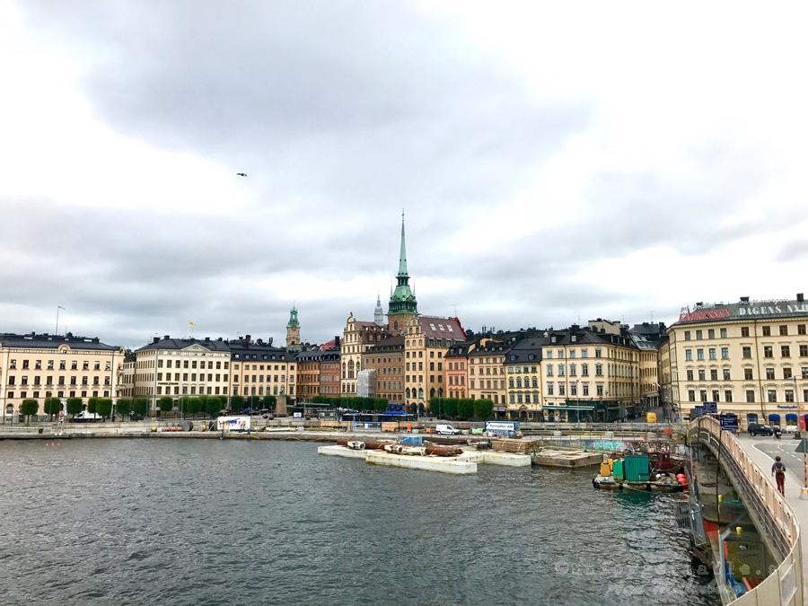 STOCKHOLM , DONKEN & LIVET DE LUXE
