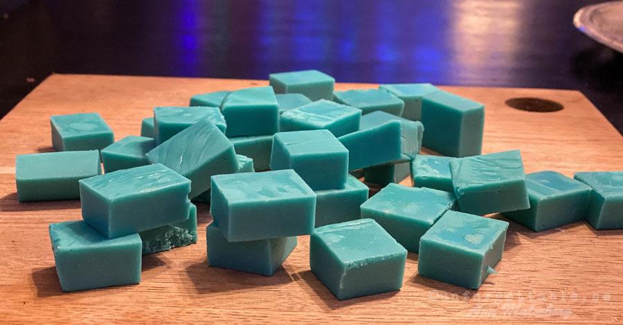 Blå skumtomtefudge
